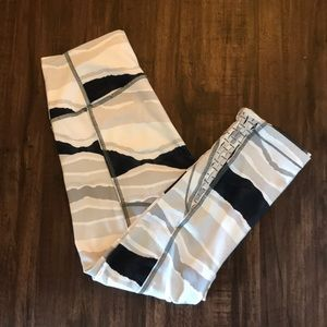 LULU LEMON PRINTED LEGGINGS